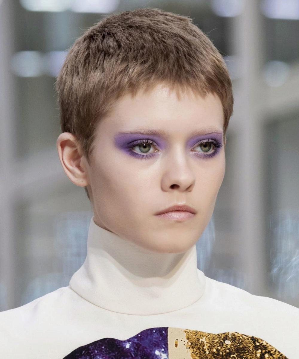 Valentino y sus sombras de ojos color lavanda para este otoño.