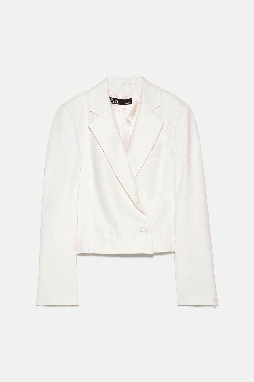 Blazer cropped en blanco de Zara