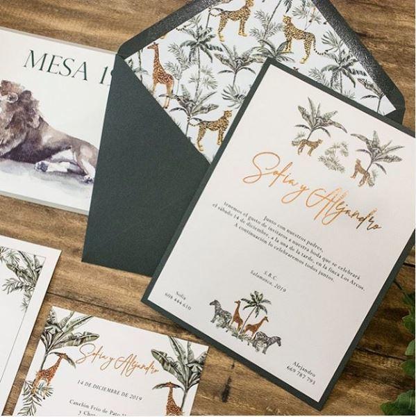 Invitaciones de inspiración safari de Invitarte.