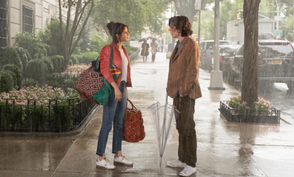 Selena Gomez y Timothée Chalamet protagonizan un romance prohibido en...