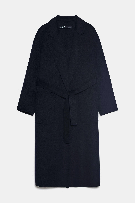 Abrigo de lana azul marino con cinturón de Zara