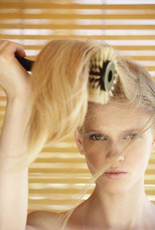 Para evitar que tu pelo se rompa, procura peinarlo en seco antes que...
