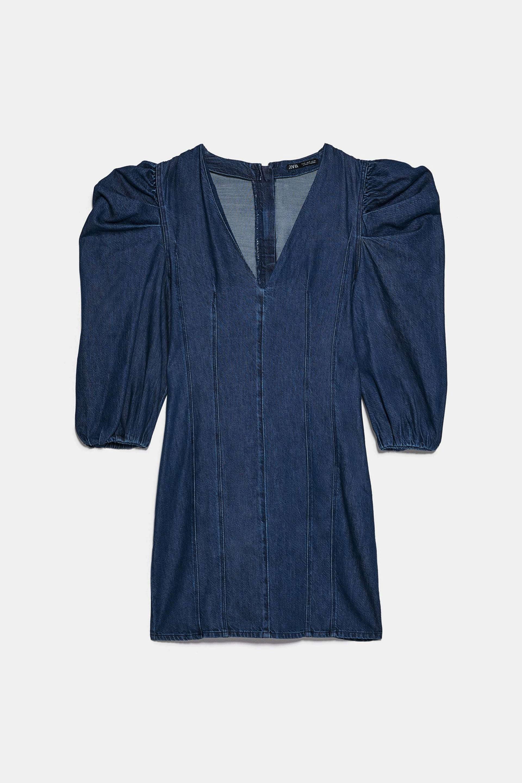 Vestido con volumen en las mangas en tejido denim de Zara