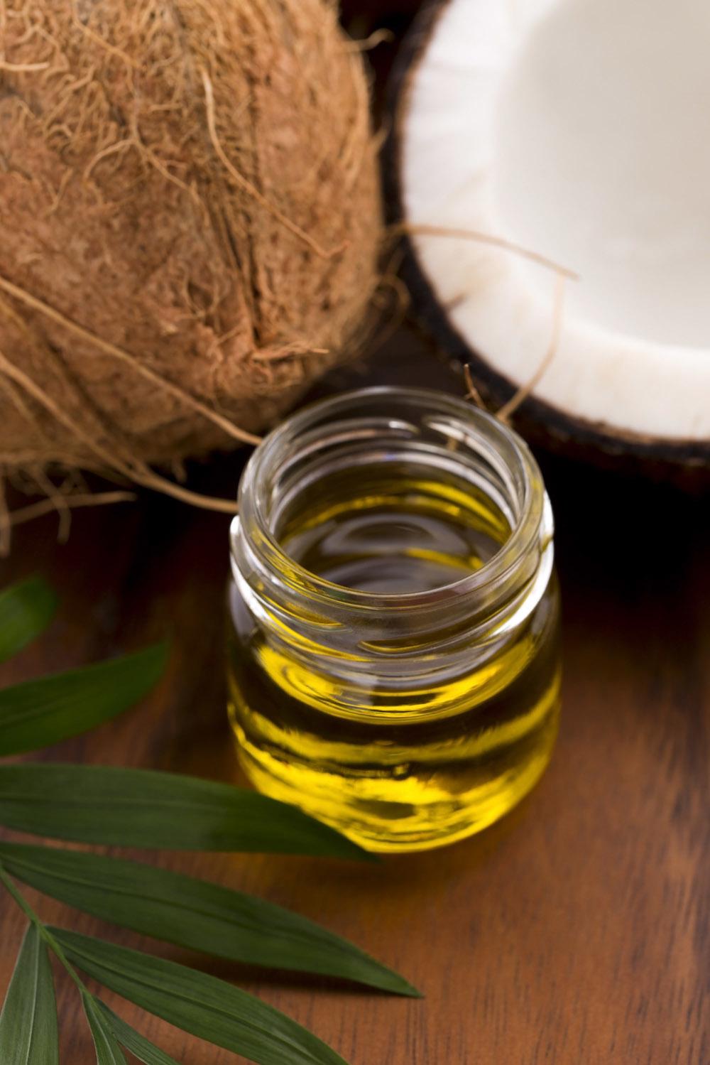 Aceite De Coco Para El Pelo Así Deberías Usarlo Para Aprovechar Sus Beneficios Telva Com