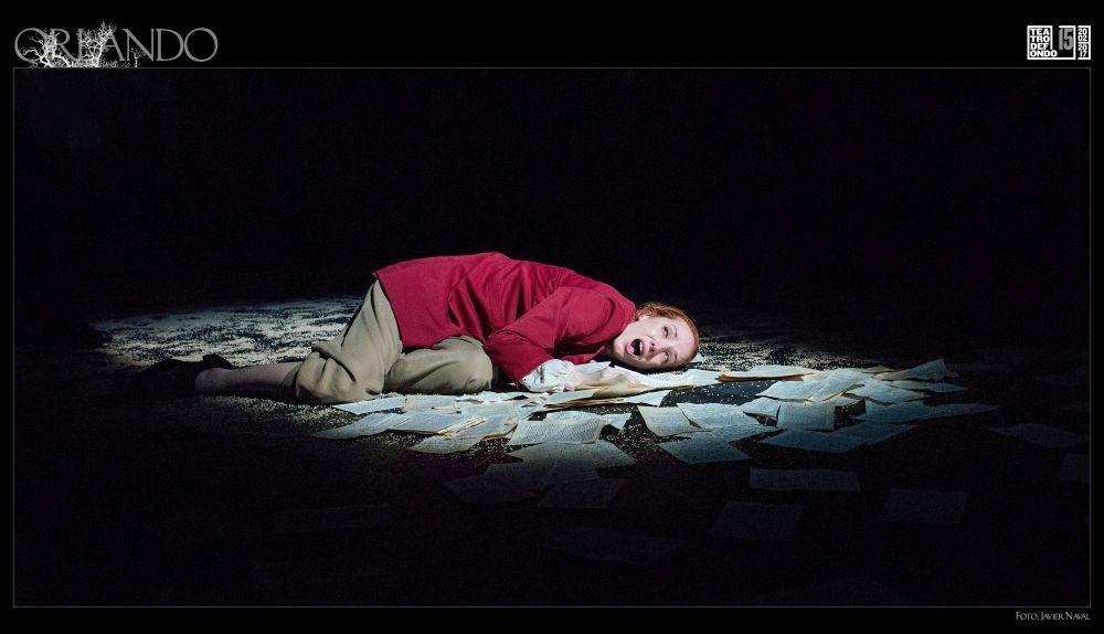 Rebeca Sala interpreta a Orlando en la adaptación teatral de la obra homónima de Virginia Woolf.