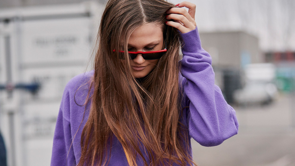 Di adiós a tu pelo fino y sin volumen con estos champús con...