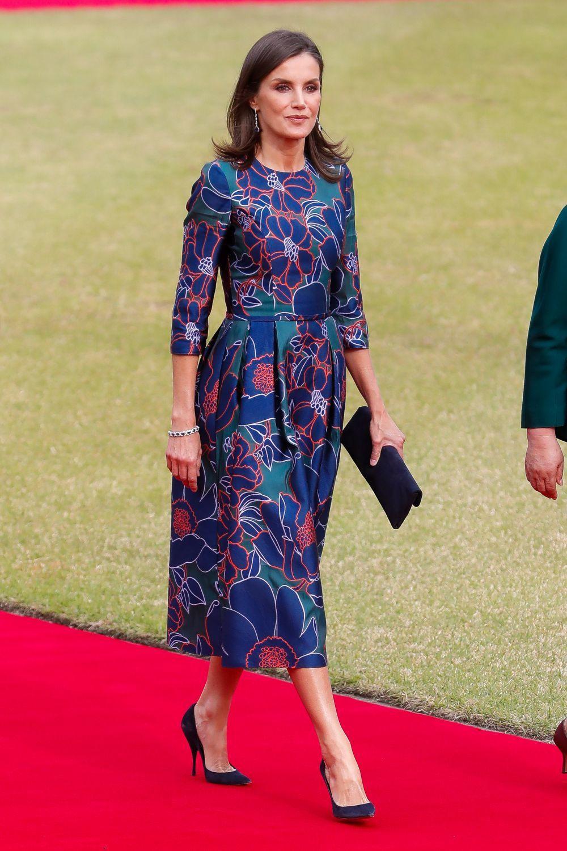 La reina Letizia rescata su vestido floral de Carolina Herrera