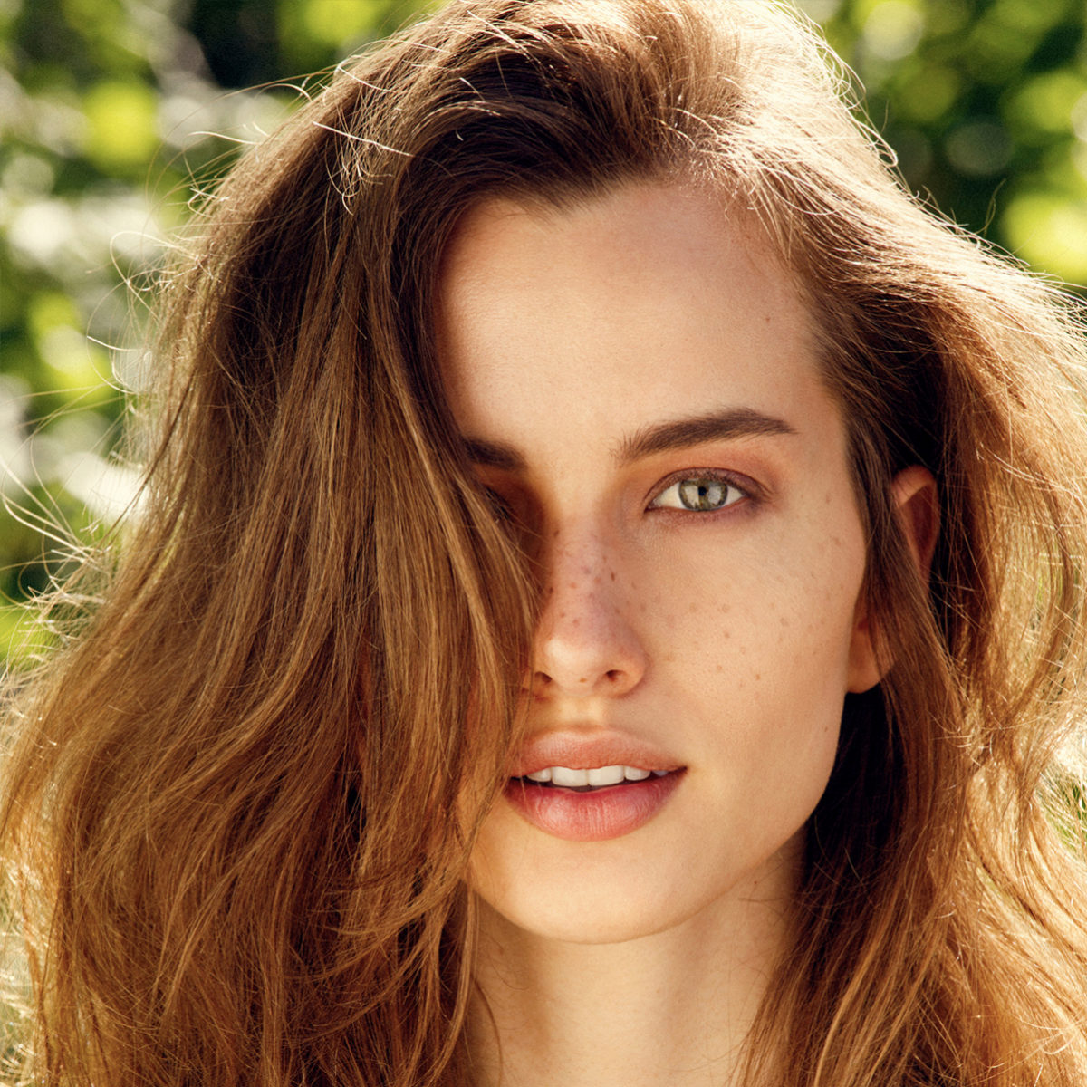 La alimentación equilibrada garantiza la salud del pelo y la piel.