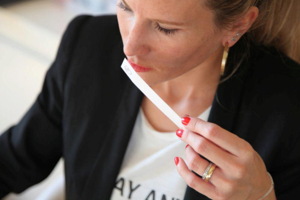 La perfumista Sara Carner asegura que el olfato se educa...