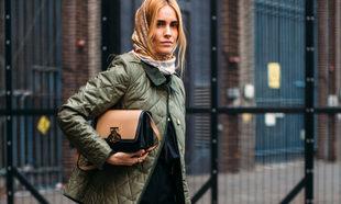 Blanca Miró con una chaqueta acolchada por Londres