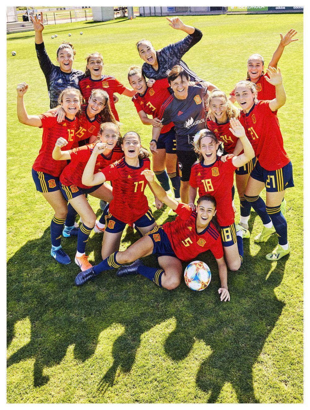 Las jugadoras de la selección española Sub-17 de fútbol femenino...