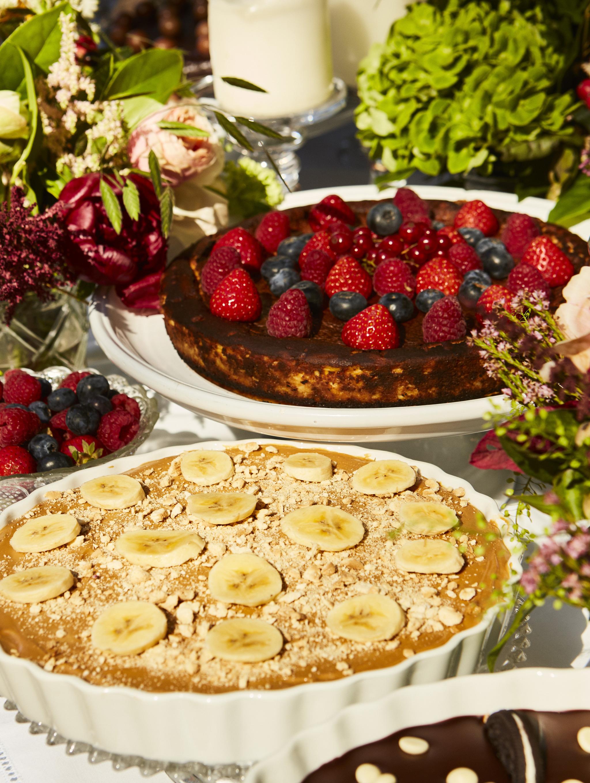 Tarta de plátano y tarta de fresas de Cristina Oria.