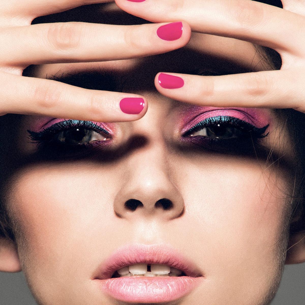 Para proteger nuestras uñas tenemos que recurrir siempre a los...