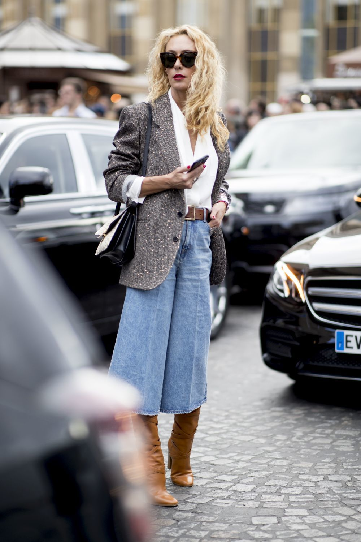También en denim, la falda pantalón tiene numerosas versiones esta...