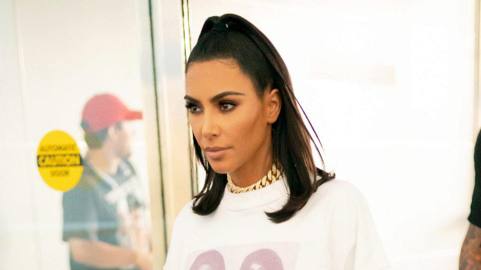 Kim Kardashian nunca sale de casa sin emplear el contouring en su...