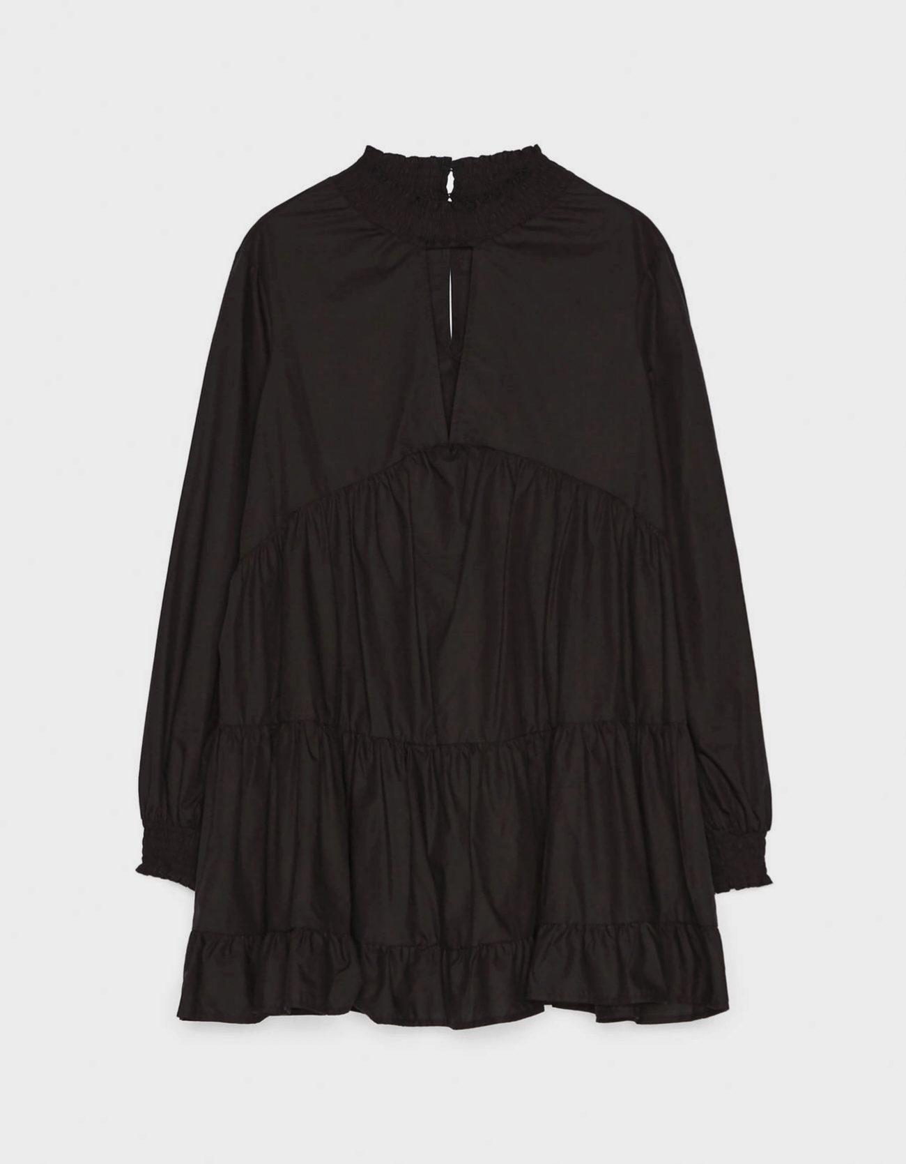 Vestido popelín en color negro de Bershka