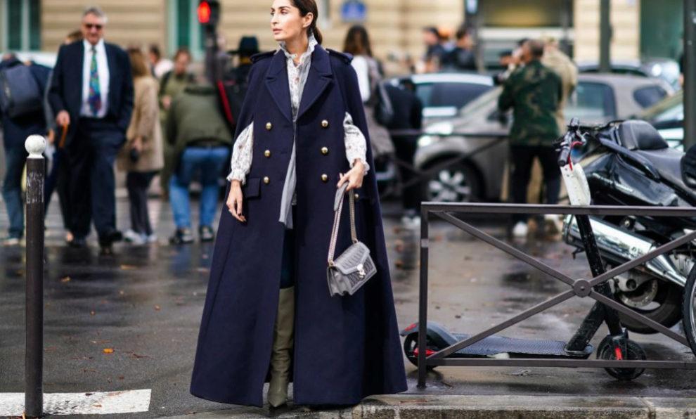 Una invitada de los desfiles de París.