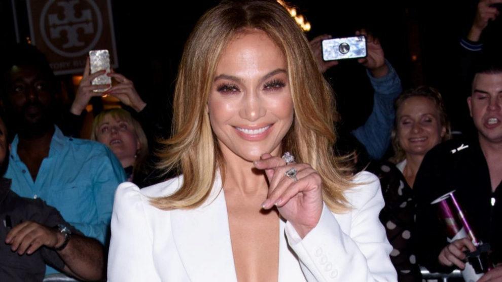Jennifer Lopez es fan de las manicuras en tonos naturales.