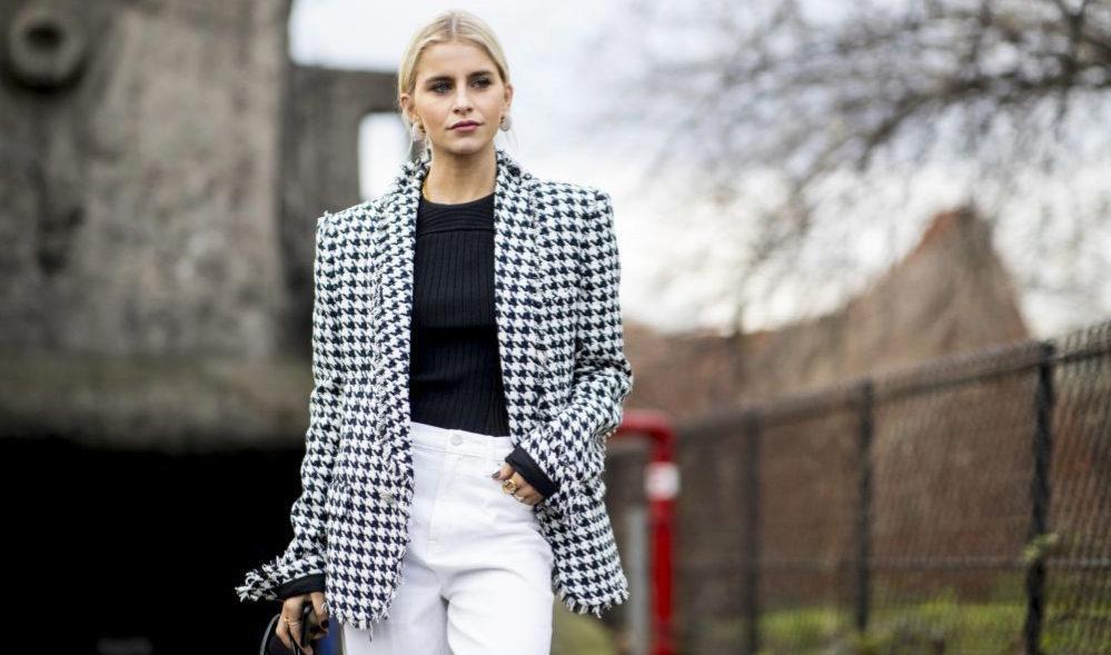 4 formas infalibles de combinar tus pantalones blancos este...