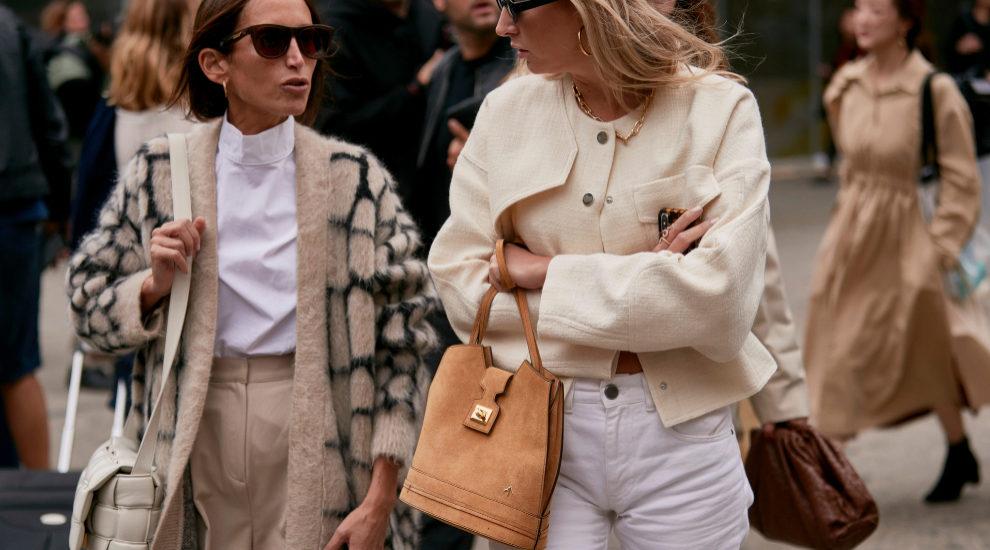 Los bolsos dan un toque más elegante a esos looks que llevamos 24...