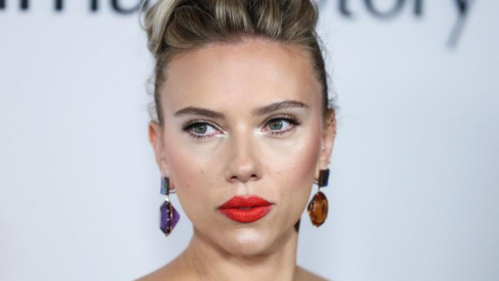 Scarlett Johansson presume de mirada luminosa y descansada gracias a...