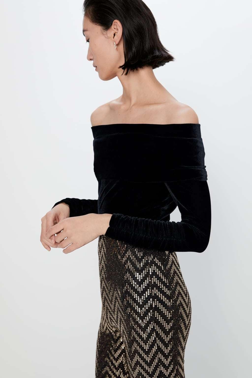Body de terciopelo de Zara (22,95 euros).