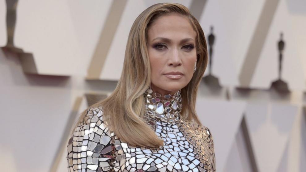 Jennifer Lopez antes de cortarse el pelo en sucesivas ocasiones este...