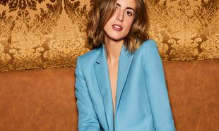 Berta Bernad posa con un traje de chaqueta que bien llevaríamos a una...