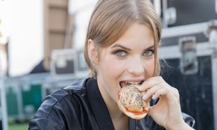 La ingesta de proteínas si se combina con ejercicio y se hace en su...
