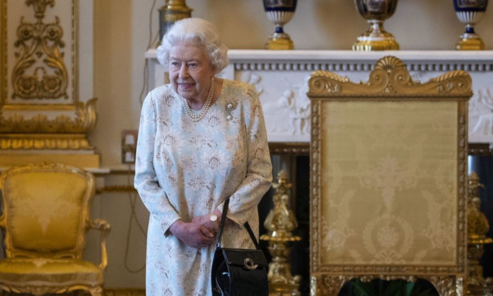 La reina Isabel II en Buckingham Palace