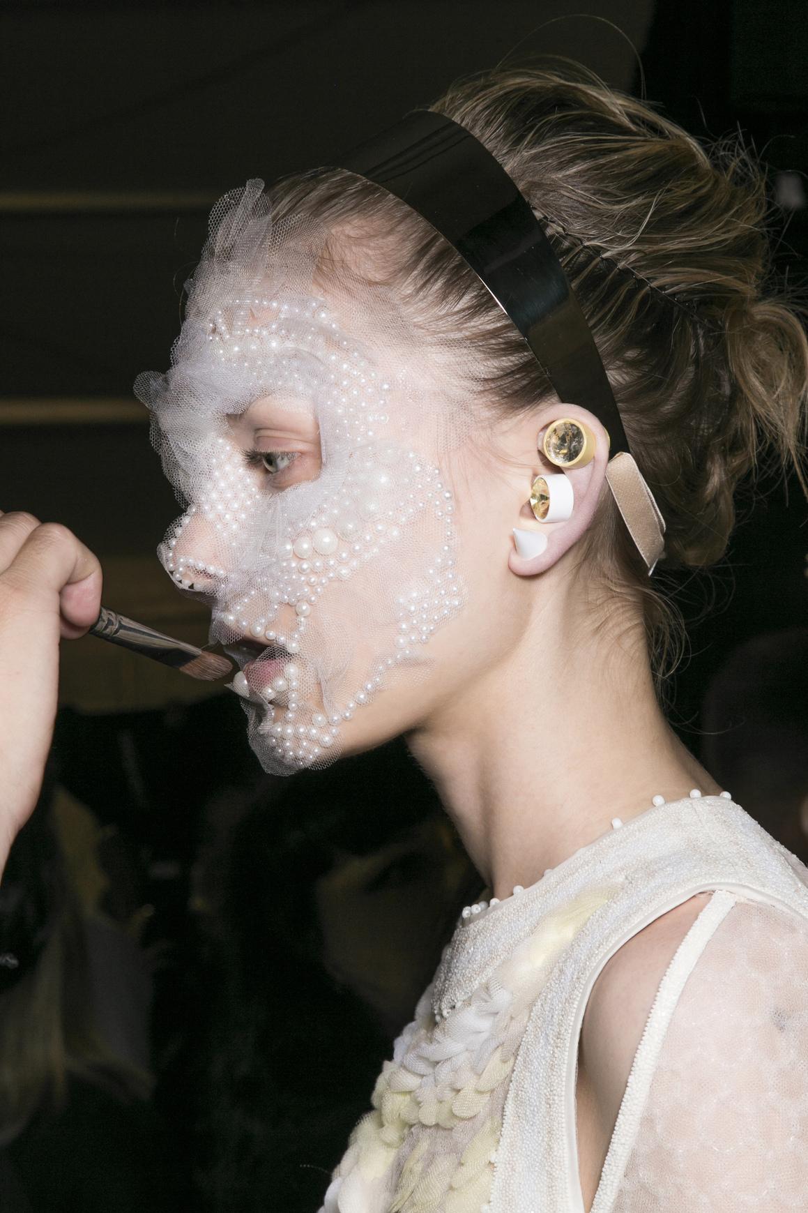 Look Beauty de Pat Mcgrath para un desfile de Givenchy