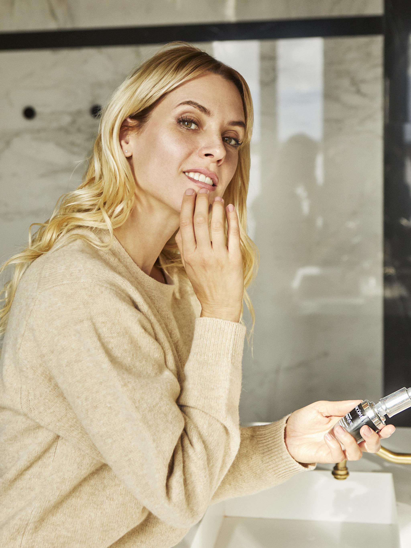 La actriz Maggie Civantos cuida su piel con Advanced Génifique