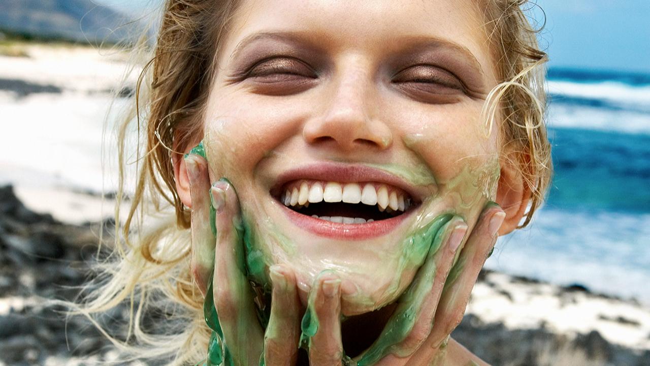 El aloe vera vegano tiene muchos beneficios para la piel y el...