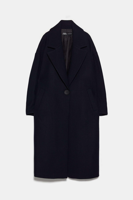 Abrigo oversized en color negro de Zara