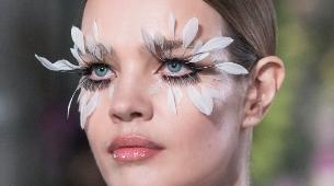 Natalia Vodianova con look beauty elaborado por Pat Mcgrath para...