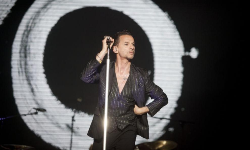 Dave Gaham, cantante de Depeche Mode, en concierto.