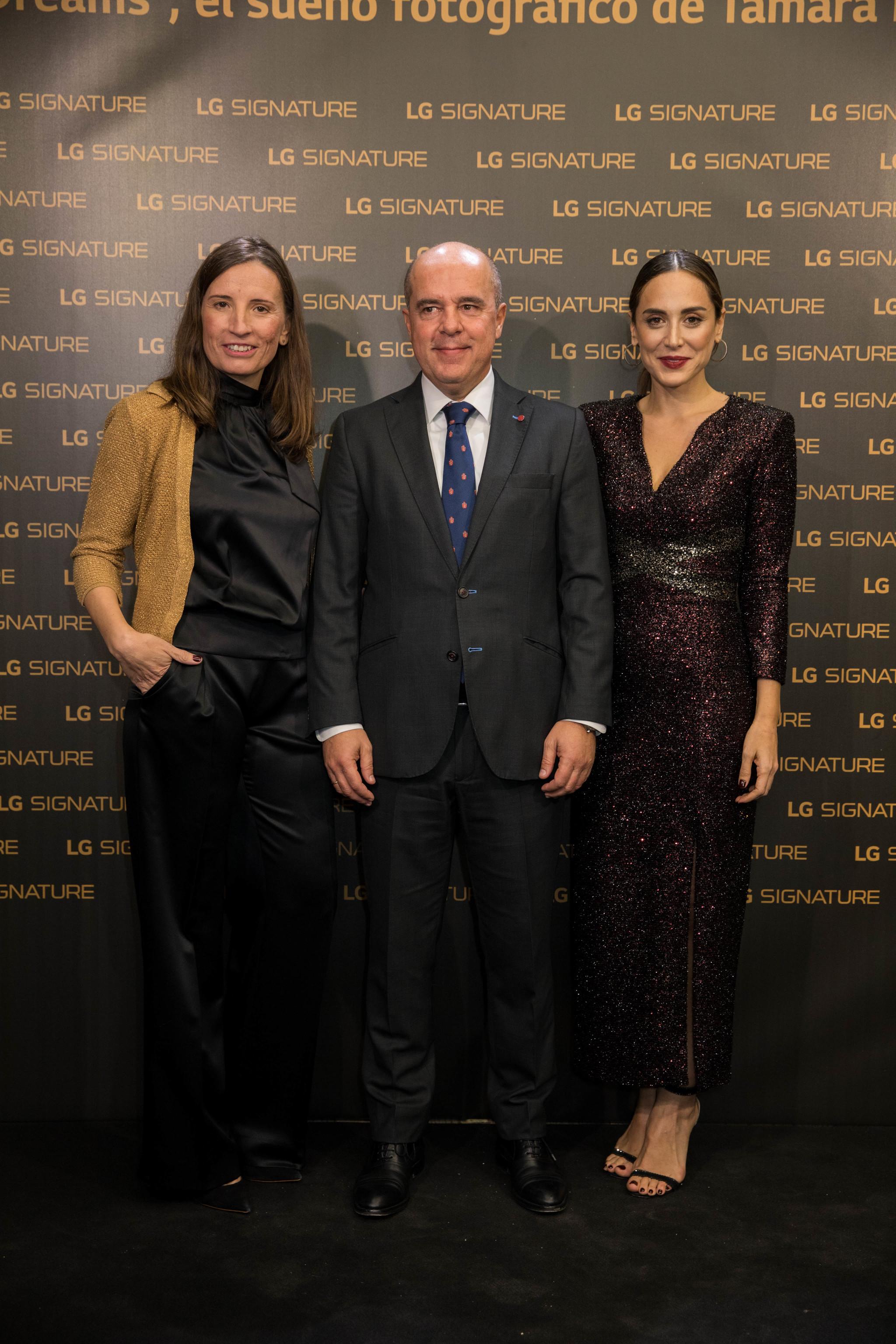 Tamara Falcó posa junto a Jaime de Jaraíz, Presidente & CEO de LG...