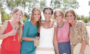 La novia Marta Fernández, con sus primas Paz, Paloma, Marina y...