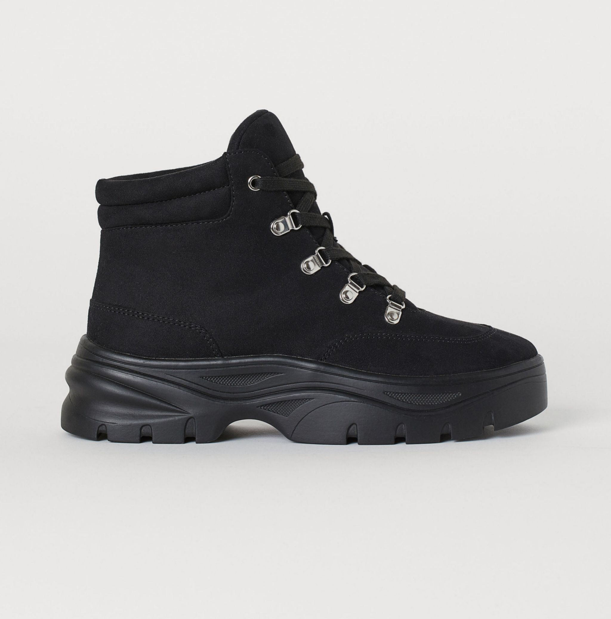 Botas negras de H&M (34,99 euros).