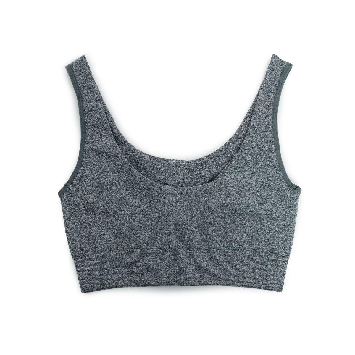 Top sin costuras en tono gris (49,90 euros).
