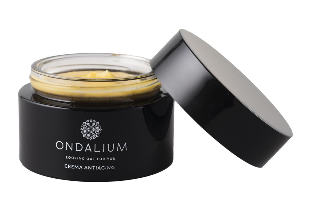Crema antiedad de Ondalium (49 euros), formulada con extracto fluido...