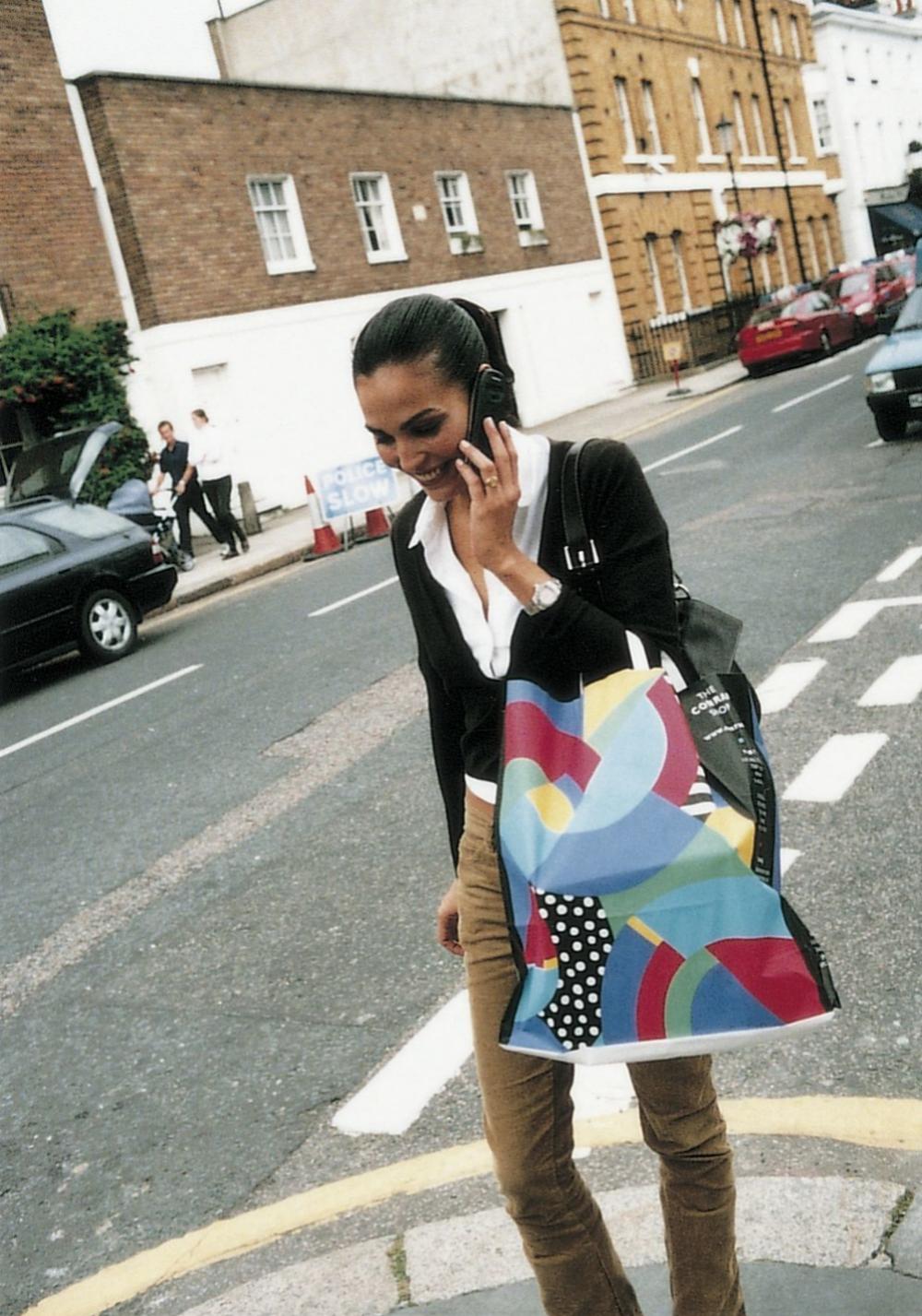 Inés Sastre durante su jornada de compras en un reportaje de TELVA.