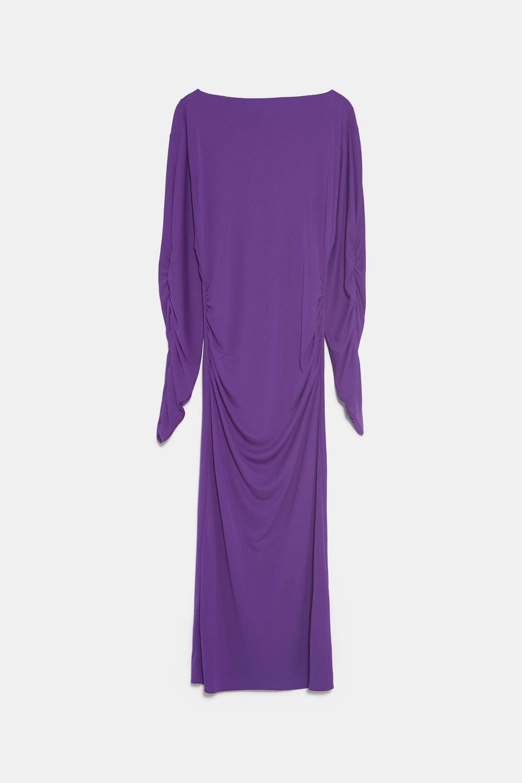 Vestido midi con frunces de Zara (25,95¤)