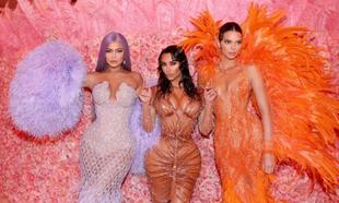 Kylie Jenner, Kim Kardashian West y Kendall Jenner en la Gala MET 2019