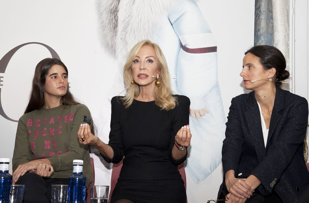 Mónica Oliart, Carmen Lomana e Isabel Fernández de Córdova.