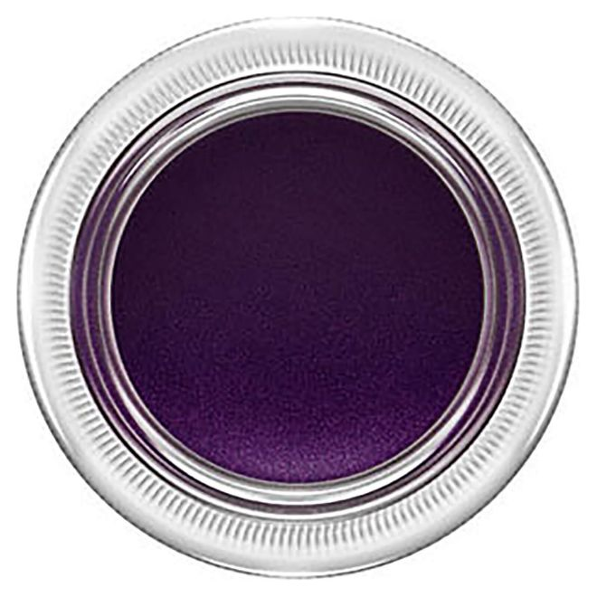 Pro Longwear Fluidline, de Mac (19,50 euros). En gel, de larga duración y en color Macroviolet.