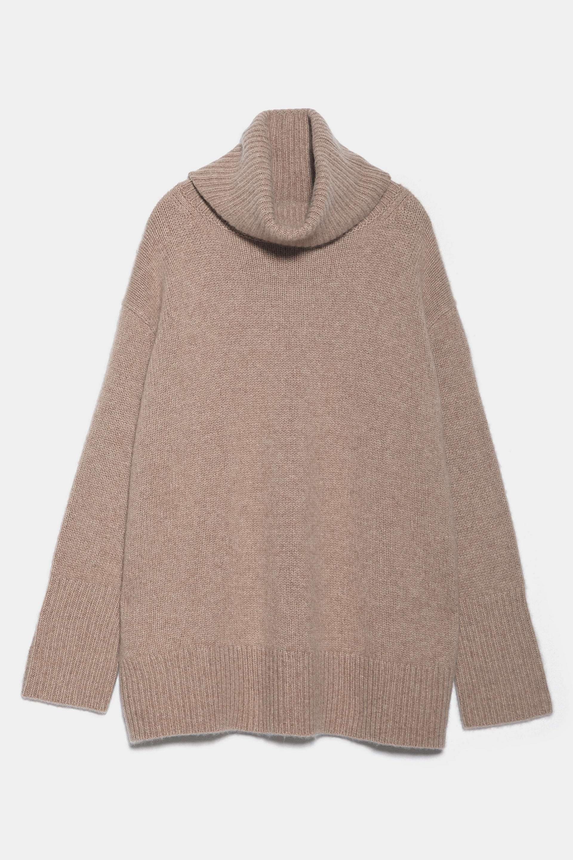 Jersey de cashmere con cuello cisne oversized de Zara