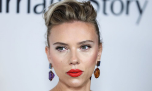 Scarlett Johansson en la presentación de Historia de un matrimonio en...