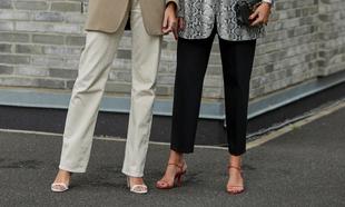 Las sandalias se pueden llevar en looks de invierno aunque hay que...