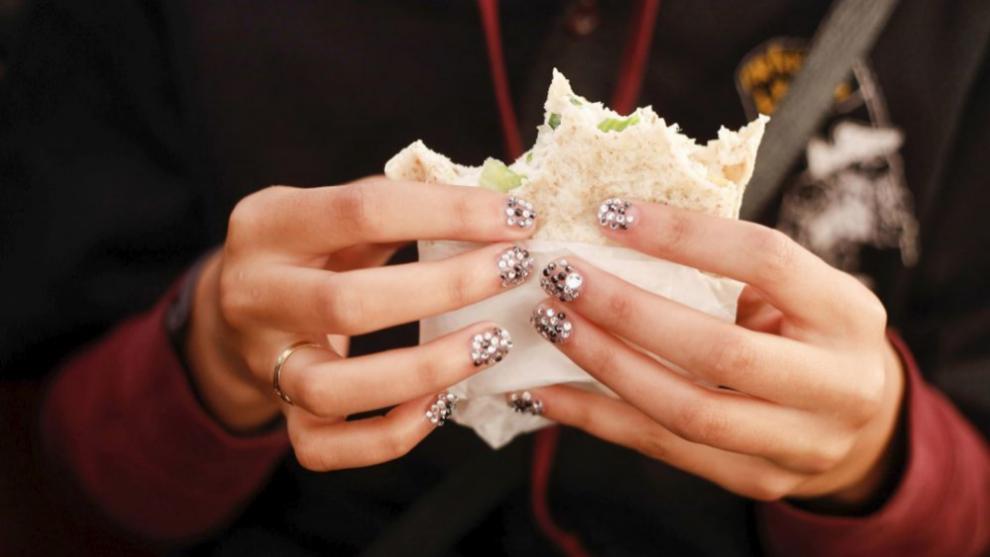 Estas fiestas llevarás tus uñas de purpurina. ¡Elige el color que...